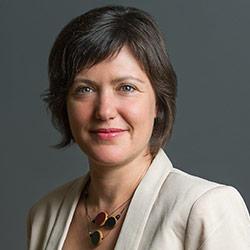 Caroline Tremblay, traductrice agréée, réviseure et enseignante