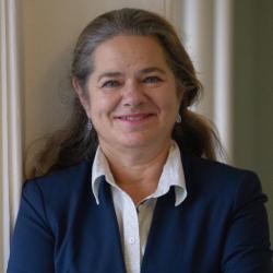 Isabelle Landry, traductrice, réviseure et coordonnatrice